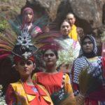 Peragaan Batik dalam Goa